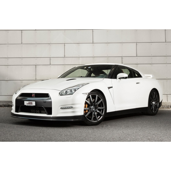 Nissan GT-R Black Edition St. Gallen (12 Std.)