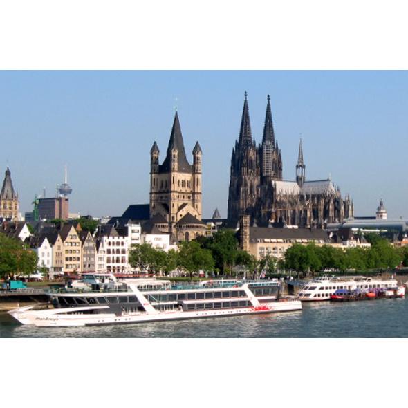 Rhein-Schiffsrundfahrt & Köln-Führung für 2