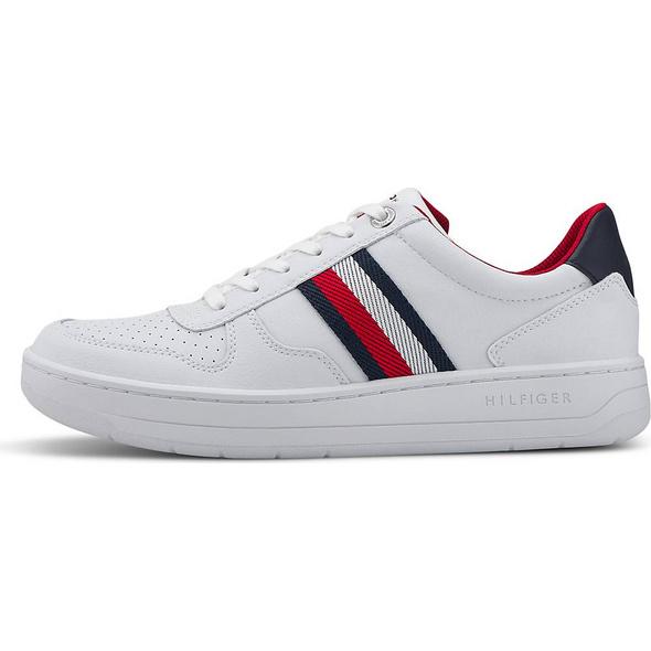 Sneaker BASKET