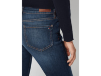 Straight Fit Jeans mit Label-Patch