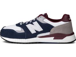 Sneaker ML570